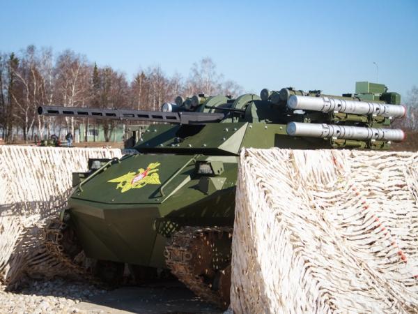 Россия намерена продвигать на международный рынок боевых роботов Уран-9
