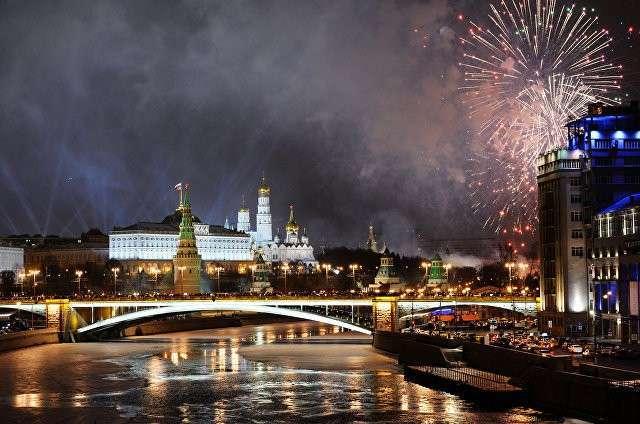Более миллиона человек приняли участие в новогодних гуляньях в Москве