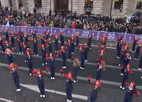 В Лондоне прошёл неожиданно убогий новогодний парад-карнавал