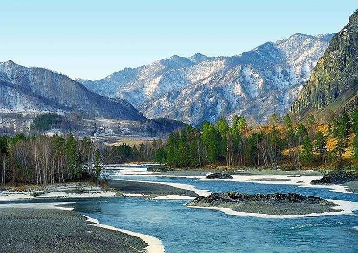 За здоровьем и впечатлениями тысячи россиян едут на Алтай