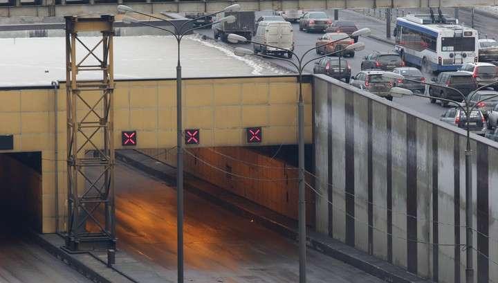 Волоколамский тоннель в Москве заледенел на двое суток