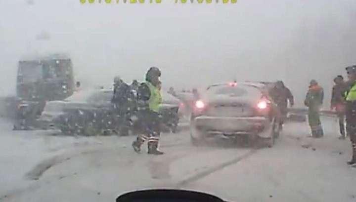 Под Санкт-Петербургом столкнулись 18 машин
