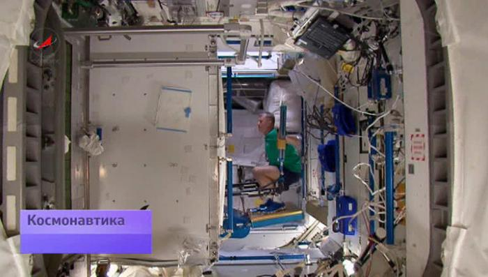 Марафон на орбите в МКС: год в Космосе