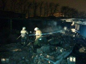 В Армавире на территории гаражного кооператива прогремел взрыв