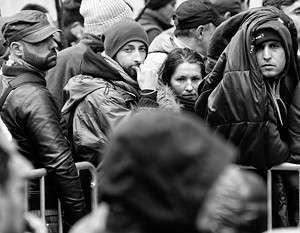 В новогоднюю ночь в Кельне сотни мужчин «арабской либо североафриканской внешности» нападали на женщин
