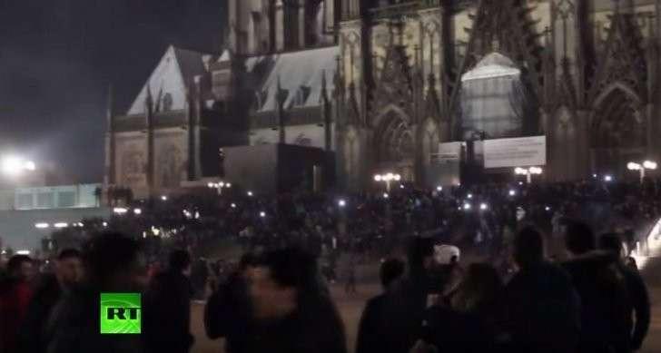 Подлая Ангела Меркель впустила в страну ненависть и насилие