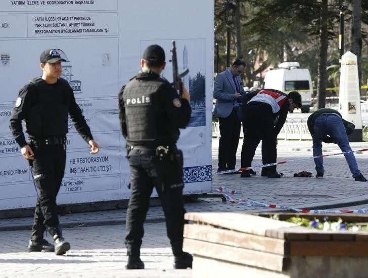 Турецкие власти возложили вину за взрыв в Стамбуле на сирийского смертника