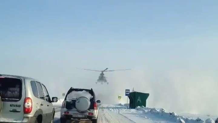 На Алтае вертолёт приземлился на автодорогу