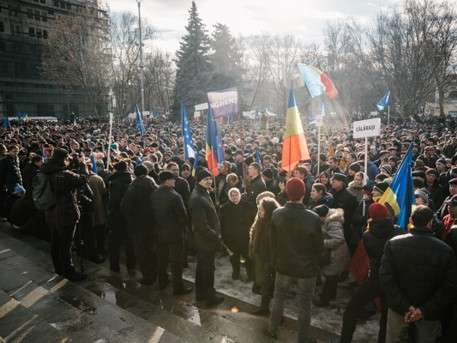 Оппозиция устроила масштабные акции протеста в столице Молдавии