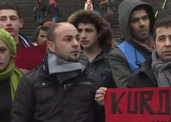 Сирийские беженцы вышли на митинг в Кёльне против сексизма и насилия