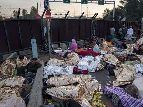 Беженцы надругались в Берлине над 13-летней русской девочкой