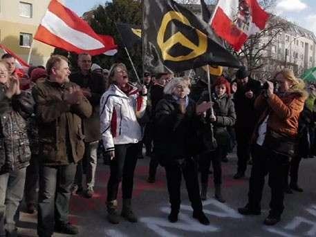 Протестующие неонацисты наводнили улицы городов в Австрии и Болгарии