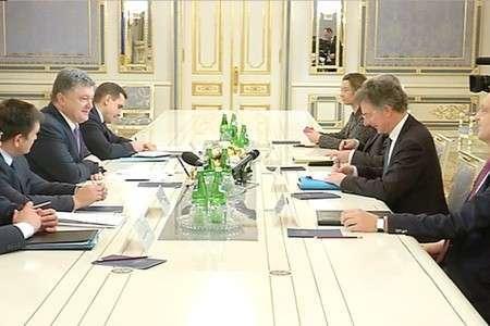 Изменения в Конституцию Украины должны быть приняты 2 февраля