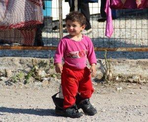 «Смех сквозь слёзы»: премьера фильма о беженцах в Греции на RTД