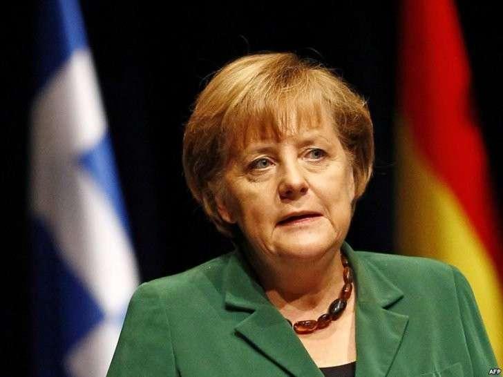 Меркель глупа или на крючке?