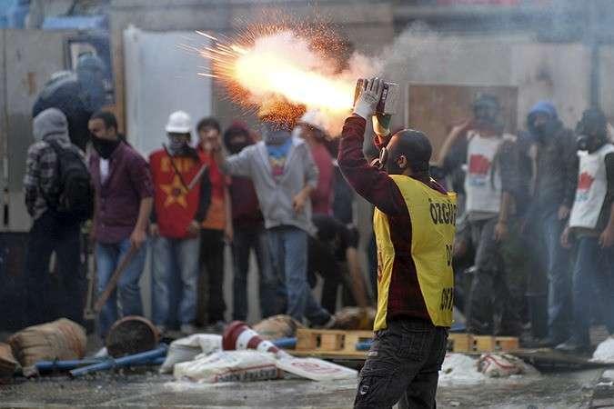 Турецкий майдан – кто не скачет, тот москаль?