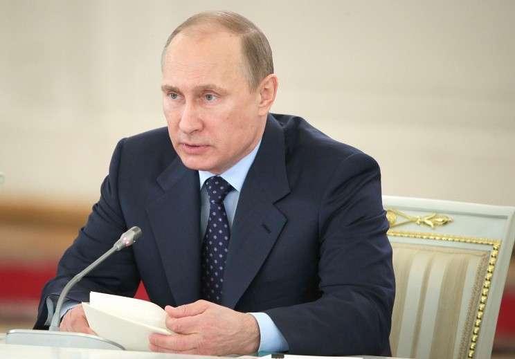 Путин подписал закон о принудительном включении иностранных агентов в реестр НКО