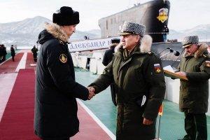 Сергей Шойгу проверил ход строительства пирсов для подводных крейсеров проекта «Борей»