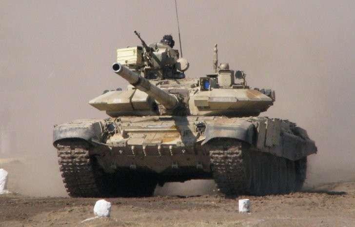 В южное Алеппо прибыла колонна русских танков Т-90