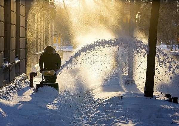 Число погибших из-за снегопадов в США превысило 40 человек