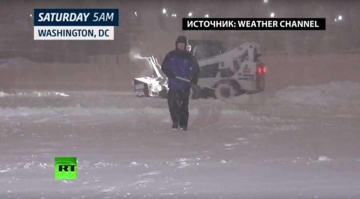 Снежная «буря века» стала причиной истерии в американских СМИ