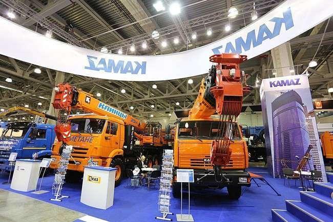 КАМАЗ показал 18 новинок на выставке строительной техники