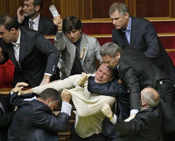 Законопроект №4985: Украинские депутаты развязали карателям руки