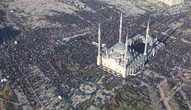Почему СМИ замолчали митинг в Грозном, требовавший убрать 5 колонну из России