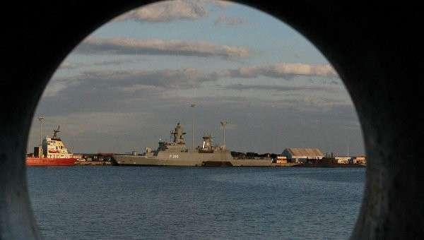 Британский военный корабль HMS Defender. Архивное фото