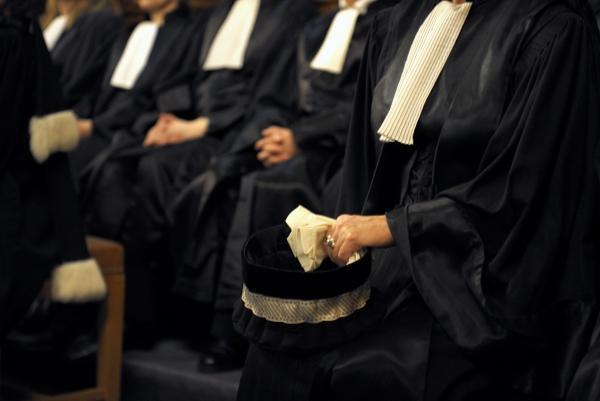 Суд Парижа оштрафовал адвокатов ЮКОСа за юридическую безграмотность