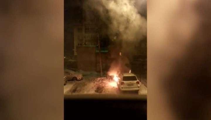 Омичи сожгли внедорожник бизнесмена, поднявшего цены на проезд в маршрутках