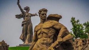 В Москве отмечают годовщину победы в Сталинградской битве