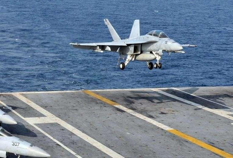 США потеряли 2 истребителя за один мирный день