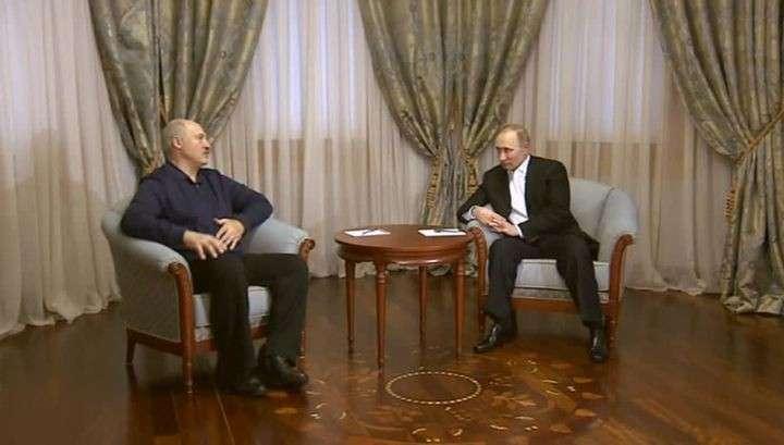 Владимир Путин предложил Александру Лукашенко обсудить отношения в Сочи