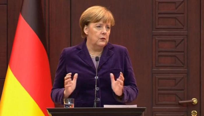 Лукавая Меркель пытается свалить вину за поток беженцев и срыв межсирийских переговоров на Россию