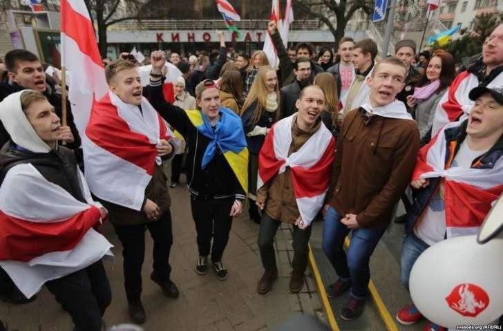 Информационная война: Запад взялся за Белоруссию