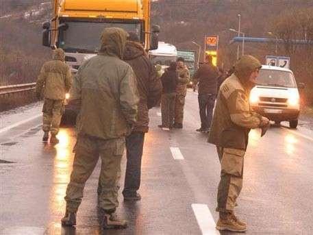Водитель рассказал, как фуры из РФ блокируют в Закарпатье