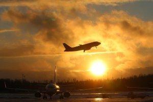 Спасибо пилотам: пассажиры загоревшегося в небе над Доминиканой лайнера рассказали об инциденте RT