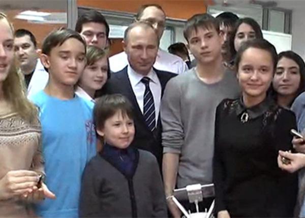 Владимиру Путину в Татарстане показали кибертаракана