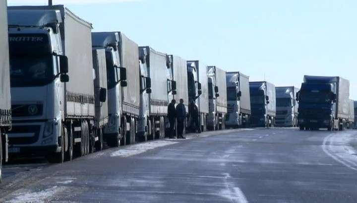 Фуры с российскими номерами прорываются на запад через Прибалтику