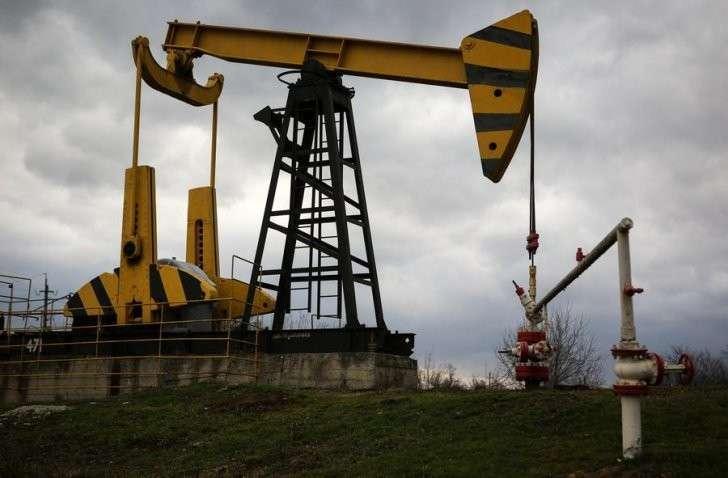 РФ иОПЕК решили заморозить добычу нефти науровне 11января