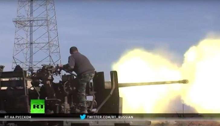 Сирийская армия наступает на столицу ИГ