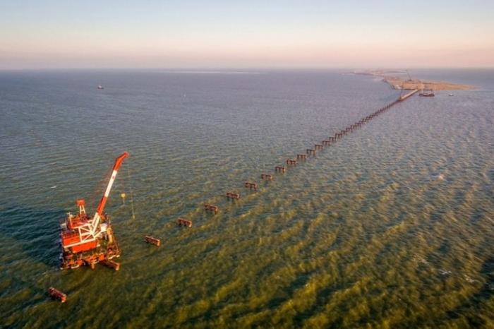 Рабочие мосты соединят Кубань и Крым к лету