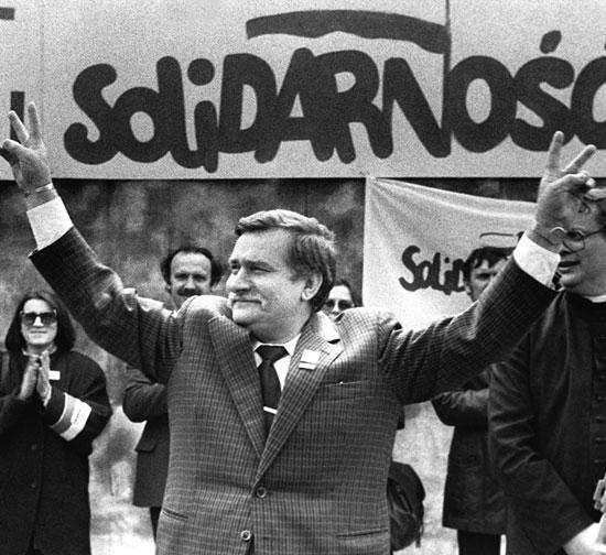 Институт национальной памяти Польши нашёл документы, что Лех Валенса был платным «стукачом»
