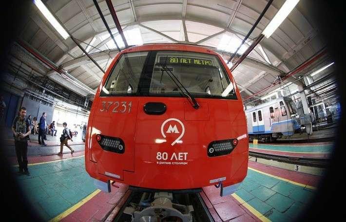 В московском метро начал курсировать поезд, управляемый автопилотом
