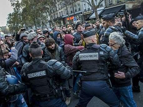 Французский ад: тысячи беженцев грабят и насилуют женщин и детей в Кале