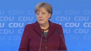 Меркель - просто марионетка в чужих, жестоких руках
