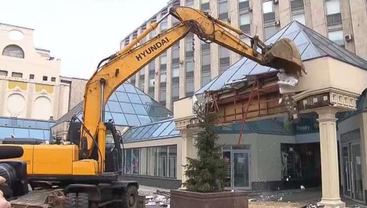Движение в центре Москвы перекрыли из-за сноса «Пирамиды»