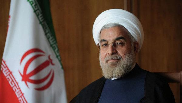 Президент Ирана проводит встречу с главой Минобороны России