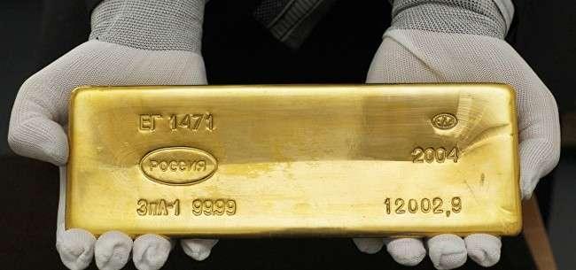 Почему Путин скупает золото